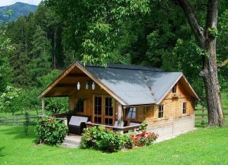 small-house-tiny-living