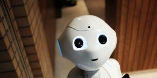 robot_tehnologija_digitalna_transformacija