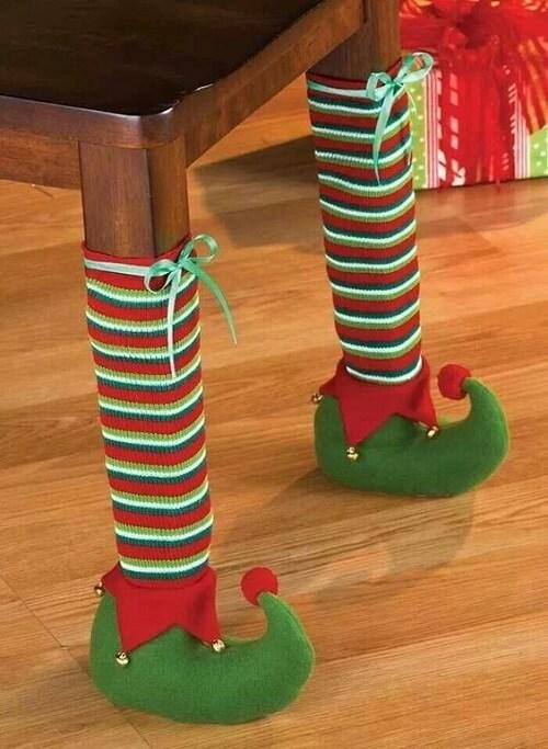 stol_bor_blagdanska_dekoracija_božić_diy_čarape
