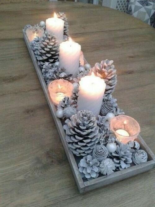 stol_bor_blagdanska_dekoracija_božić_diy_šišarke_svijeće